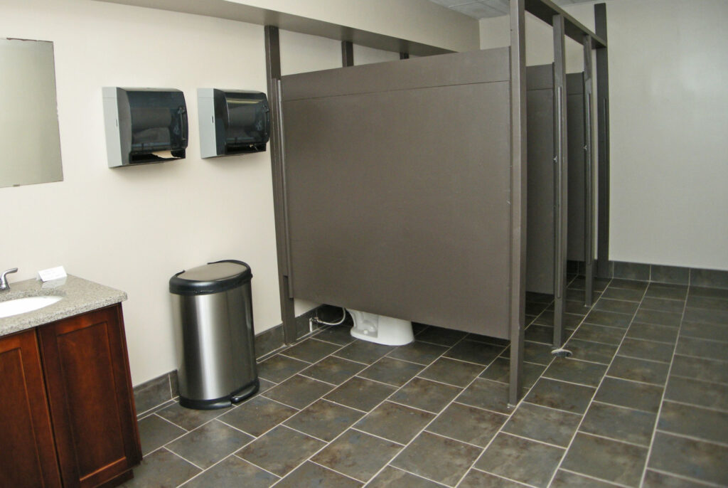 S - Boys Bathroom - resize to same ratio